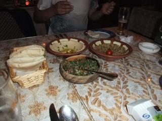 タブーリ、ホンムス、ババガヌージ、それとピタパン