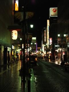雨のあがった夜の街